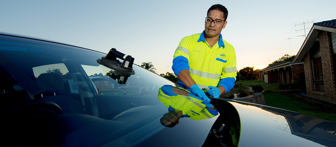 windscreen repair and replace