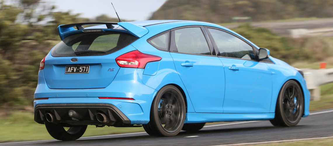 2016-Ford-Focus-RS-rear-shot