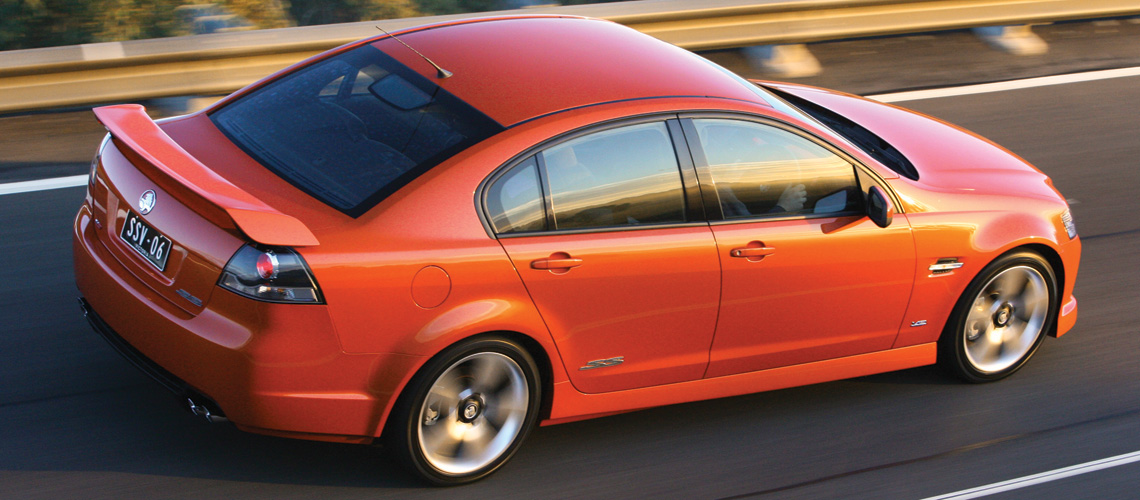 2007 holden commodore ve ss v8 sedan car reviews the nrma 2007 holden commodore ssv side driving sciox Gallery