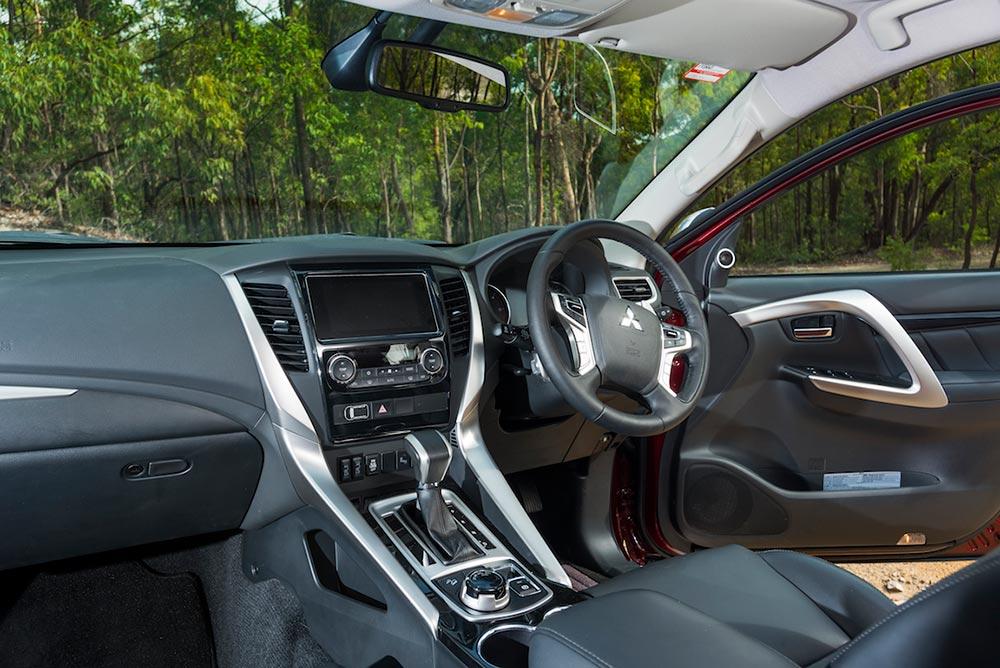 Family 4WD SUV comparison | Ford Everest Trend v Mitsubishi
