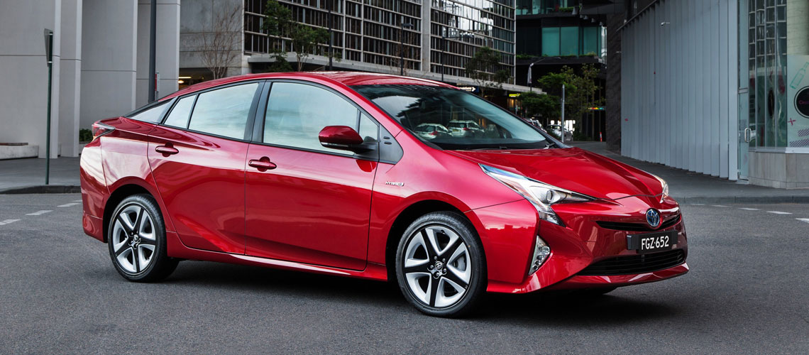 2016-Toyota-Prius-hybrid-i-tech-resized-hero