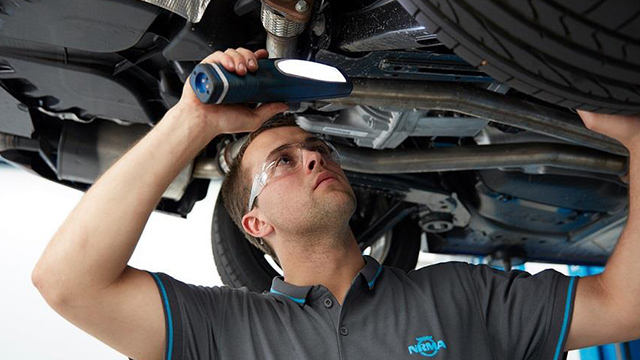 car servicing mechanic