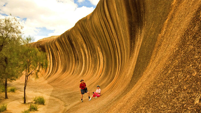Wave-Rock-Day-Tour-from-Perth