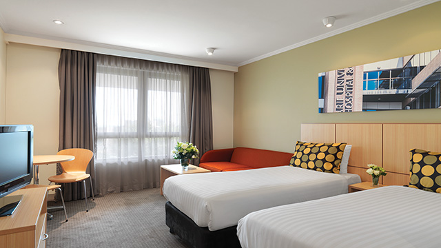 Guest Bedroom Twin Travelodge Macquarie North Ryde NSW