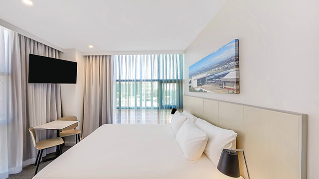 Guest Room King Travelodge Sydney Airport NSW