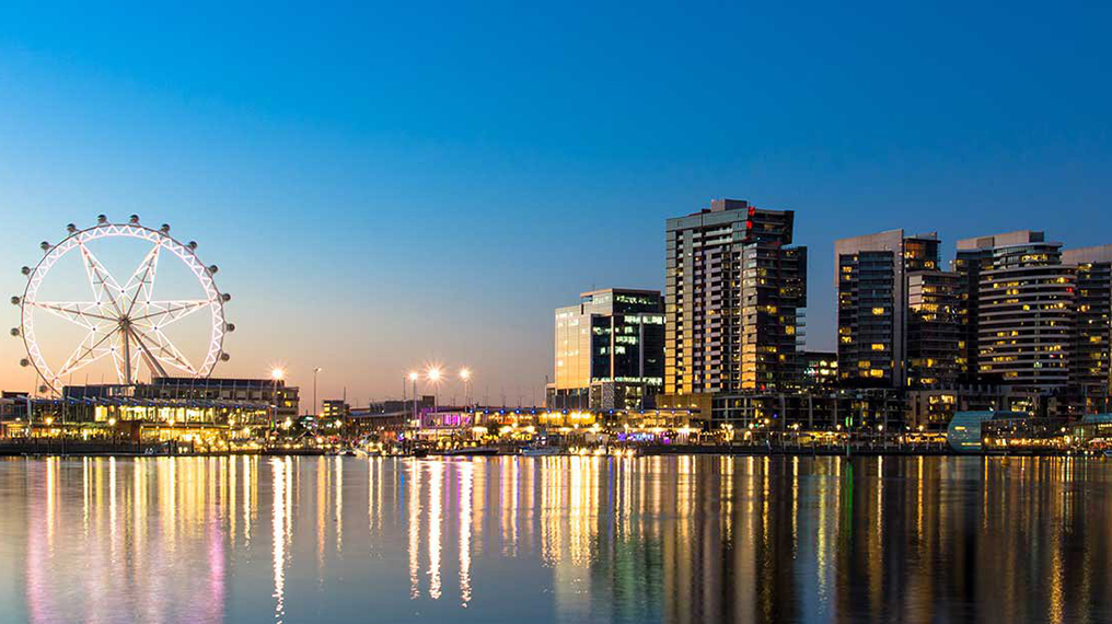 Docklands Melbourne Star Observation Wheel NRMA blue Travelodge Hotel Member Discount