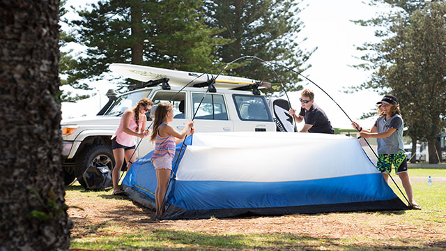 Family putting up tent Sydney my nrma local guides