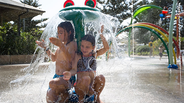 Children at waterpark Sydney my nrma local guides