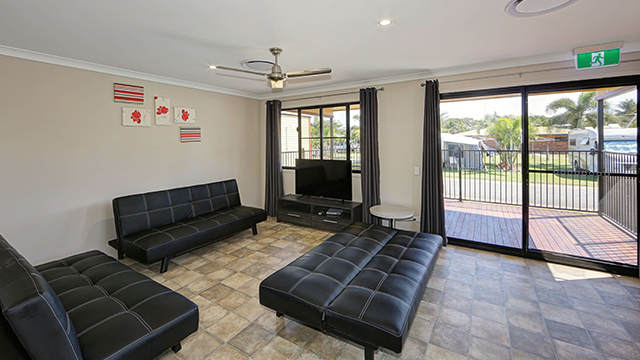 Palm Lodge 3 bedroom NRMA Capricorn Yeppoon Holiday Park