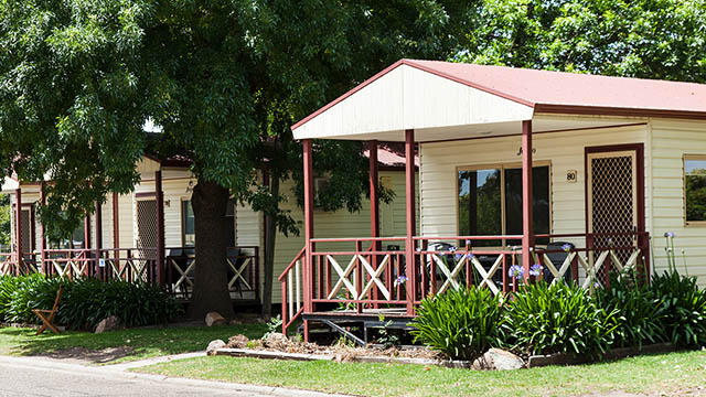 exterior villa Bairnsdale Riverside Holiday Park Victoria my nrma local guides