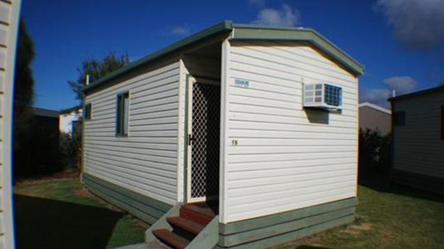 budget family cabin nrma warrnambool