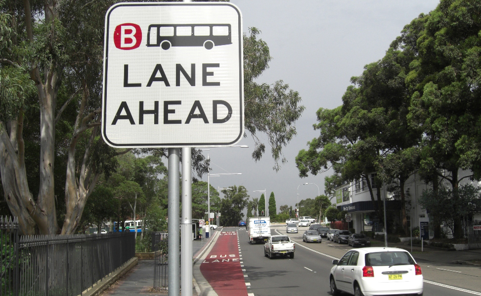Who can drive in the bus lane
